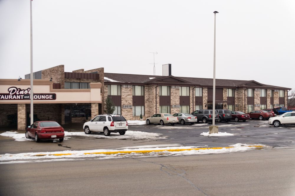 ridge motor inn hotels 2900 new pinery rd portage wi