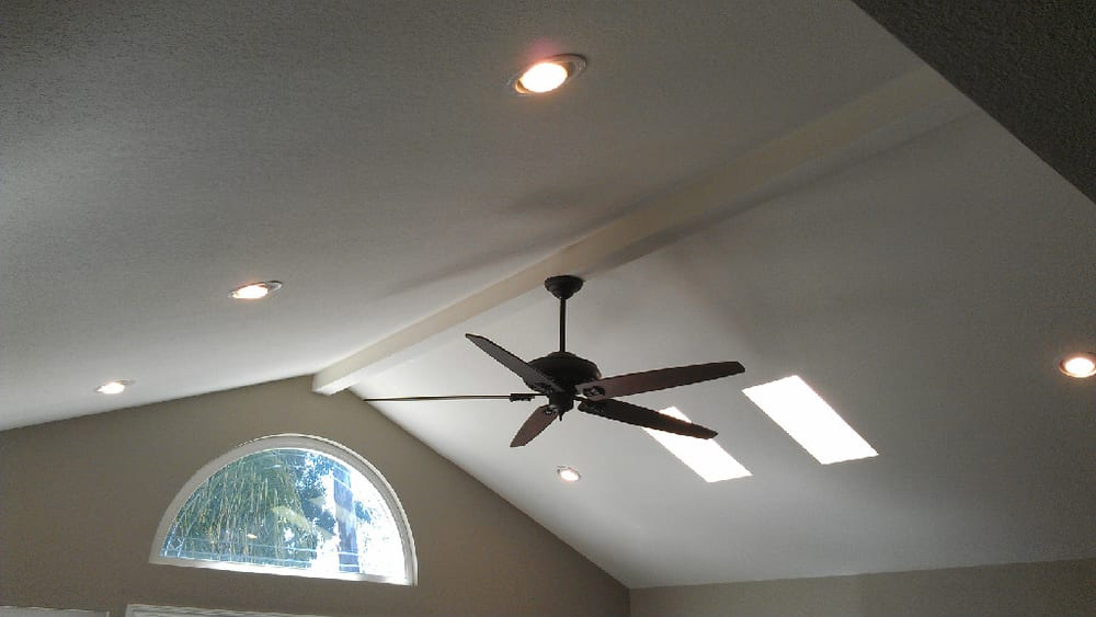 Ceiling Fan And 6 Quot Can Lights On Vaulted Ceiling Yelp