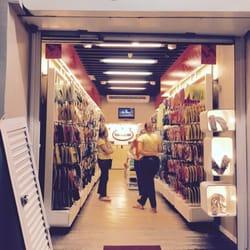 d260f3ed29e2 Havaianas - Shoe Stores - R. Farme de Amoedo 76 A