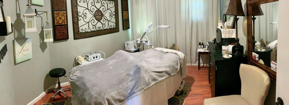 Pure Tranquility Massage: 54 Notch Shopping Center Ln, Branson West, MO