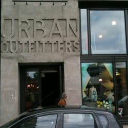 Photo de Urban Outfitters , Québec, QC, Canada
