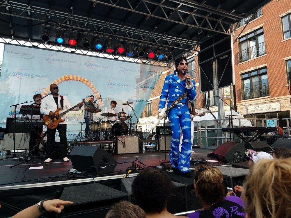 Burgerfest: 2205 W Belmont Ave, Chicago, IL