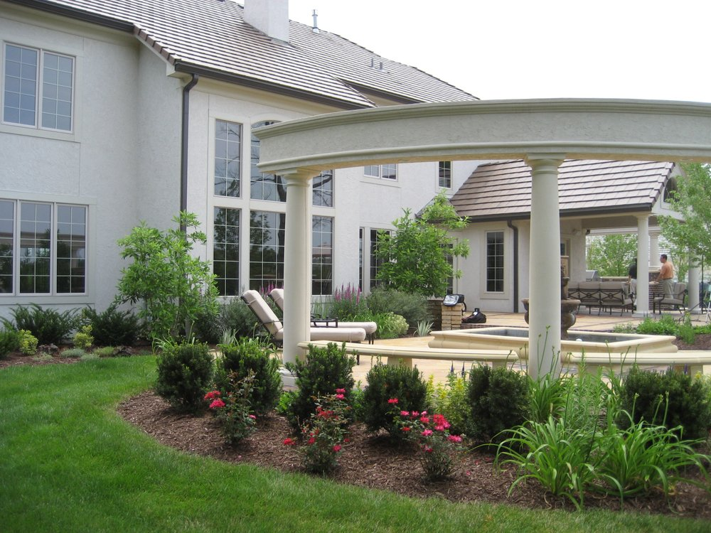 Creative Outdoor Spaces: Prairie Village, KS