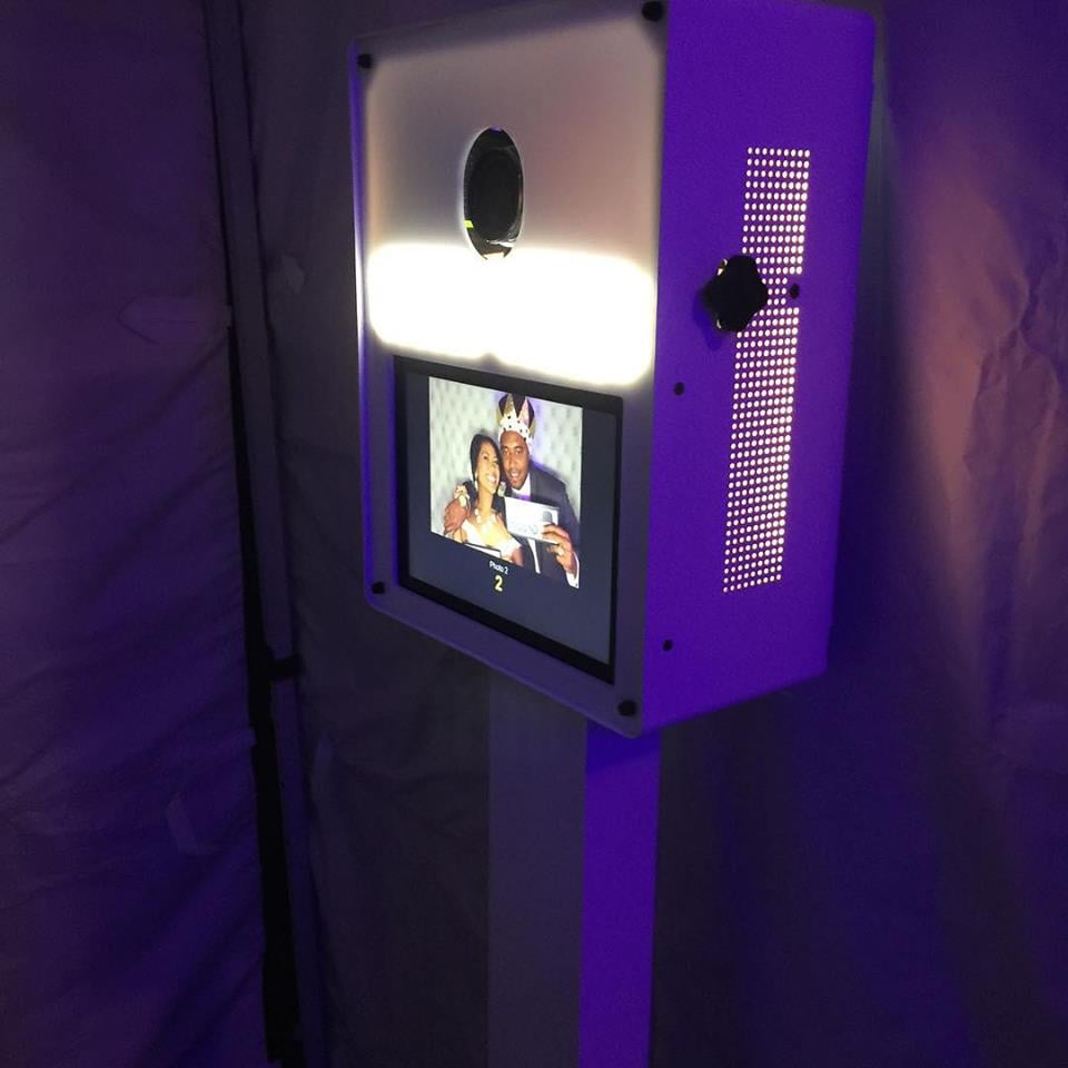 Find Apartment Near Me: Photo Touch Booth Rentals