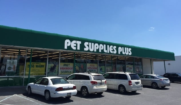 Pet Supplies Plus: 2433 Macarthur Rd, Whitehall, PA