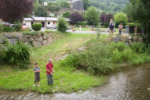 Camping le jardin campeggi bourg lacaze tarn for Camping le jardin