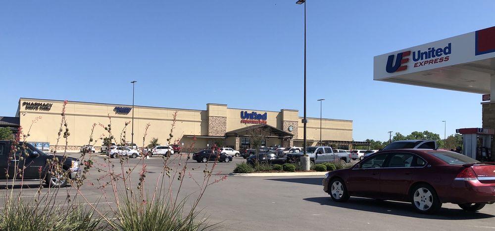 United Supermarkets: 300 E Commerce St, Brownwood, TX