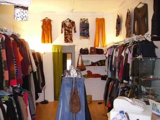 friperie vetements vintage et depot vente nantes yelp. Black Bedroom Furniture Sets. Home Design Ideas