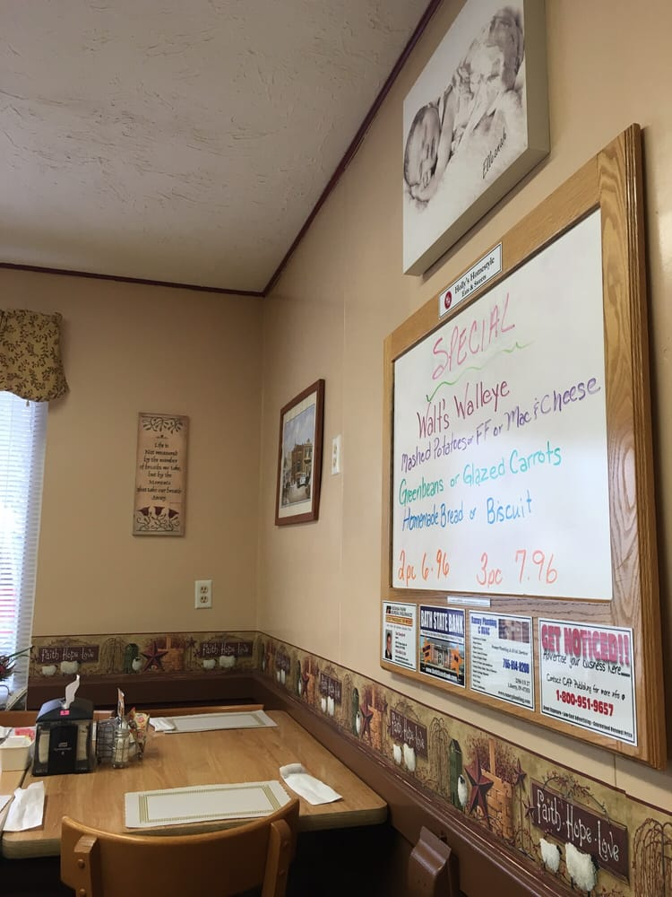 Holly's Homestyle Eats & Sweets: 700 Liberty Ave, West College Corner, IN