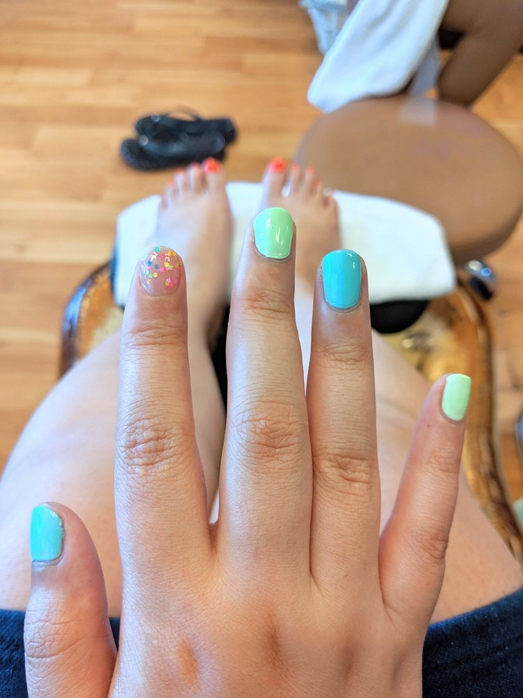 Azure Nails: 15115 SW Walker Rd, Beaverton, OR
