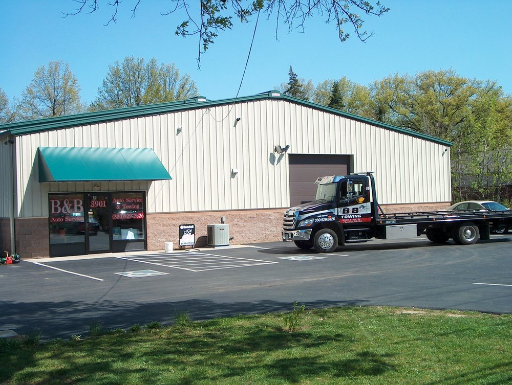 Towing business in Bath, OH