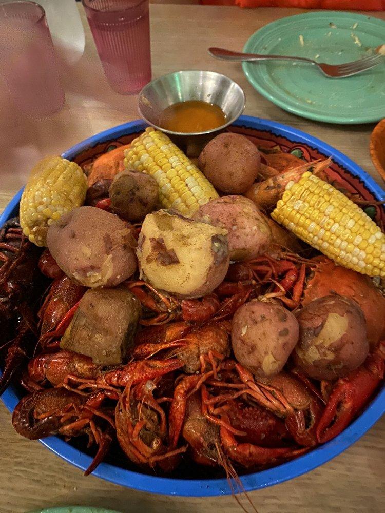 Seafood Sally's: 8400 Oak St, New Orleans, LA