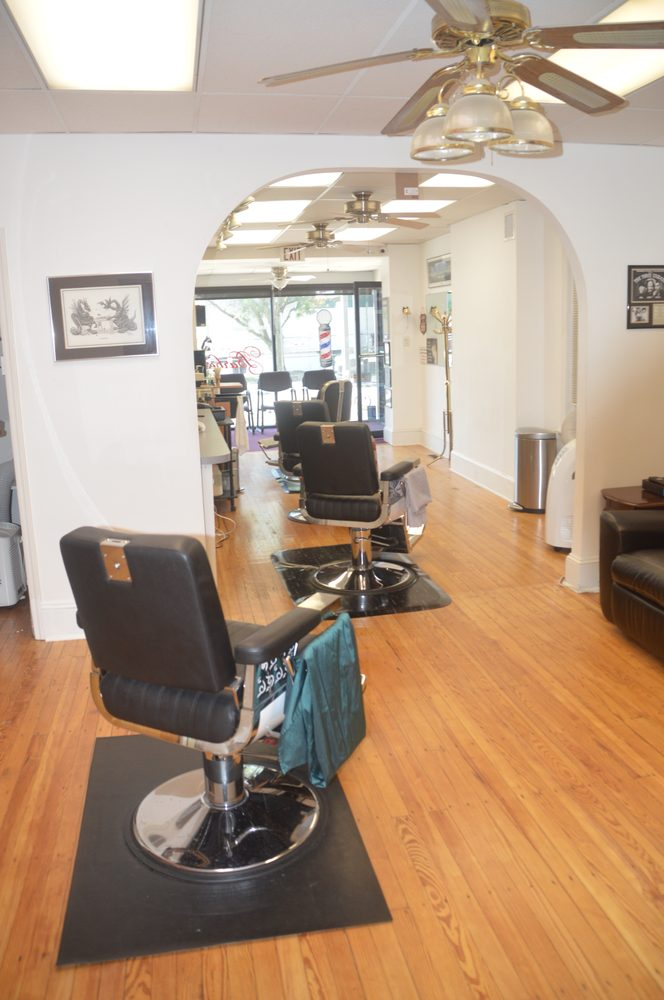 Bridgeport Barbershop: 113W 4th St, Bridgeport, PA