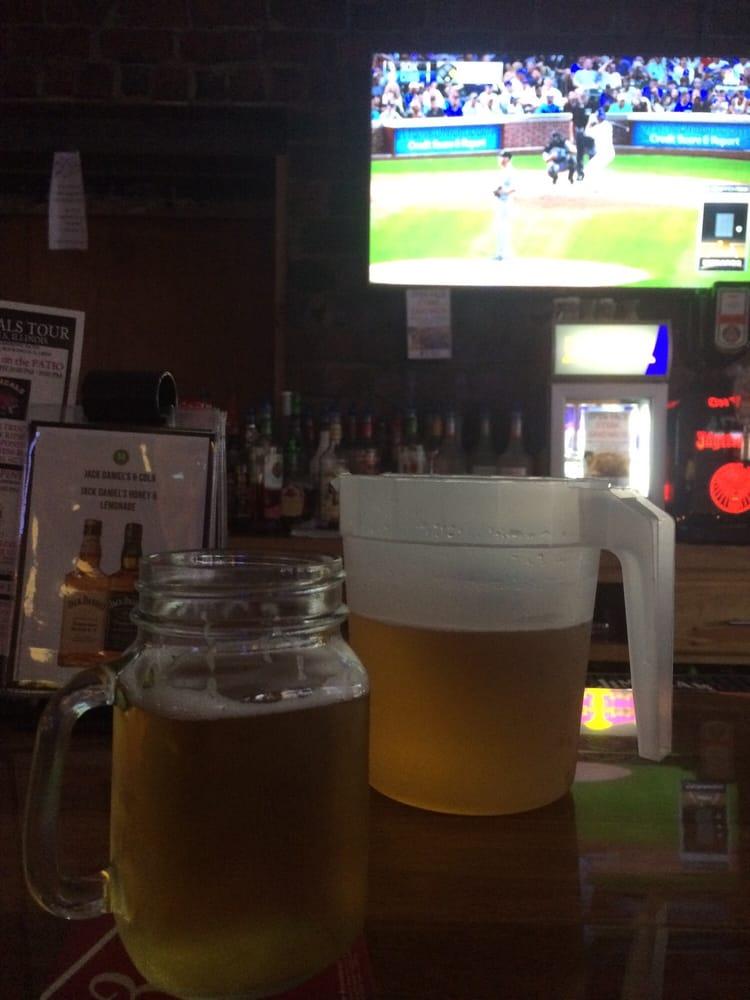 Froggy's Bar & Grill: 215 W 2nd St, Rock Falls, IL