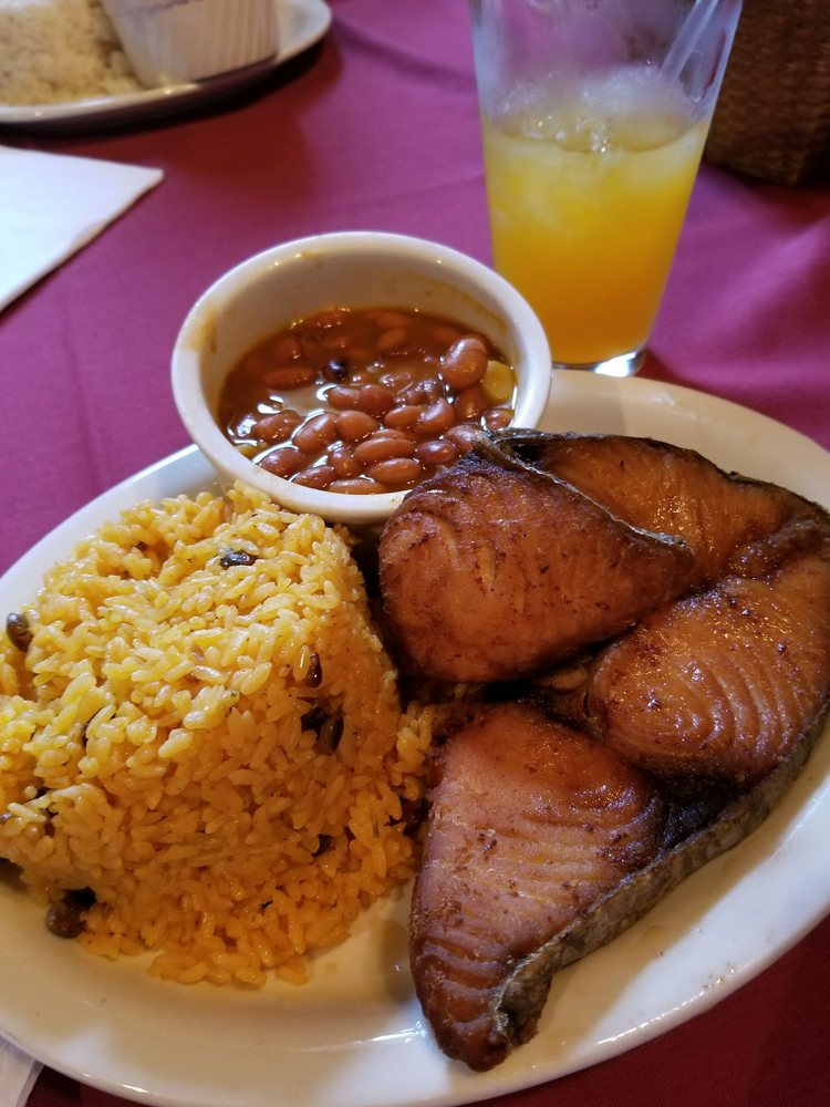 Food from El Rincon Boricua Restaurant