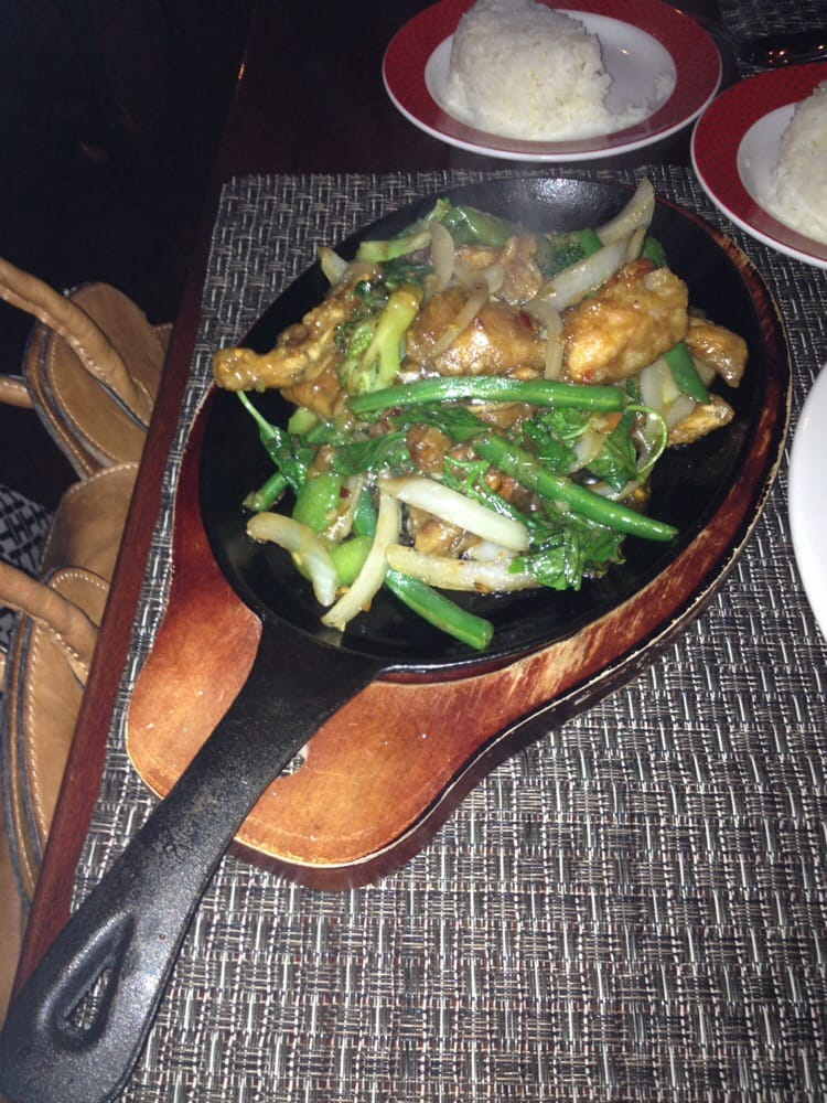 Tom and toon 23 photos 41 reviews thai theater for Aura thai fusion cuisine new york ny