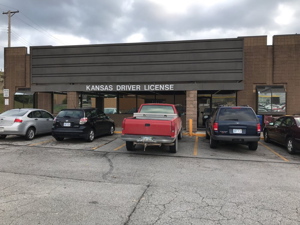 lawrence kansas drivers license bureau
