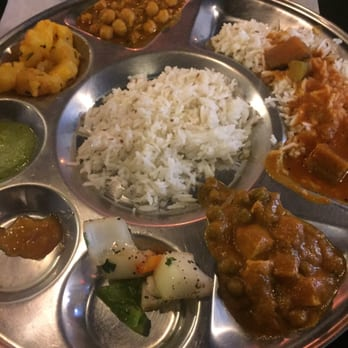 Photo Of Banana Leaf Restaurant Columbus Oh United States Some Buffet Items