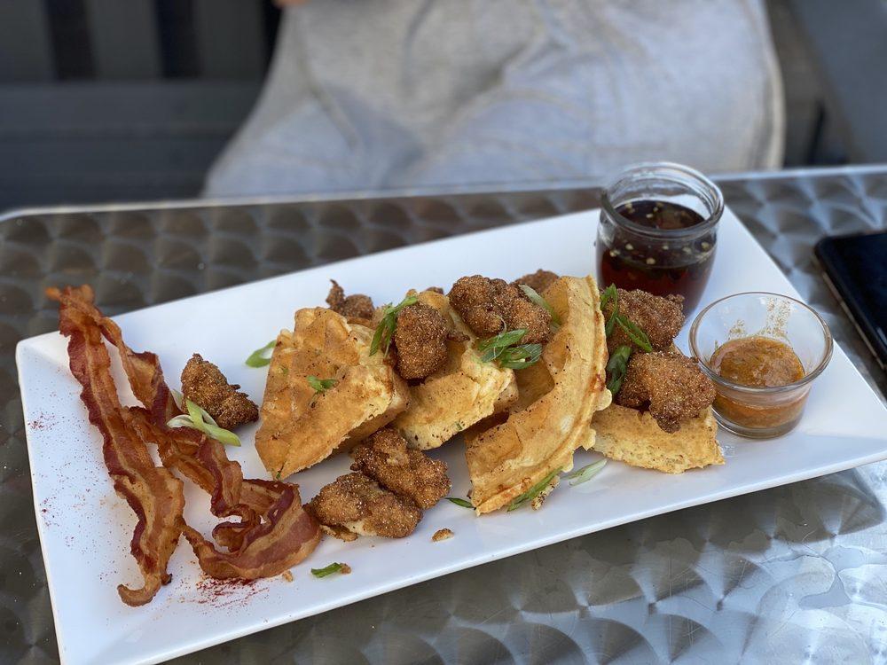 Roulay Restaurant & Bar: 107 W Short St, Lexington, KY
