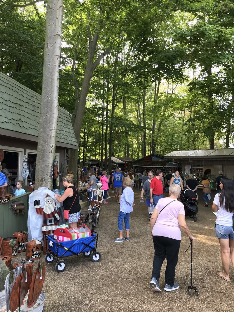 Shaker Woods Festival: 44337 County Line Rd, Columbiana, OH