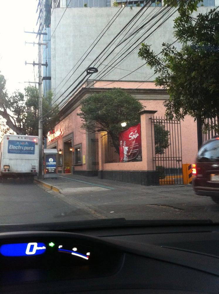 Sanborns cafeter a av san antonio 256 ciudad de los for Sanborns los azulejos direccion