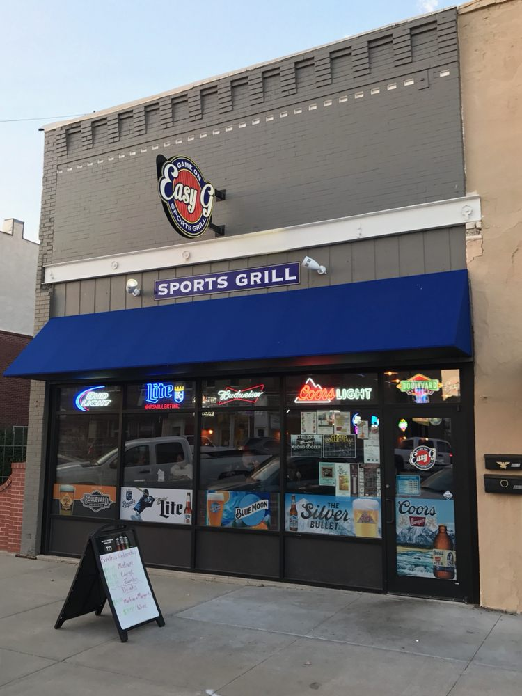 Easy G Sports Grill: 107 W 6th St, Concordia, KS