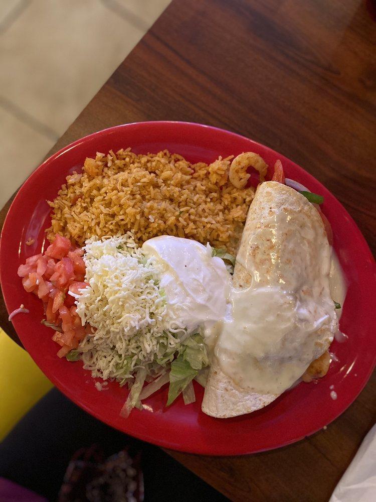 Cowboys Mexican Grill & Pizzeria: 6341 Cumberland Gap Pkwy, Harrogate, TN