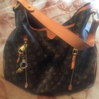 dd8927464651 Louis Vuitton Beverly Hills Saks - Leather Goods - 9600 Wilshire ...