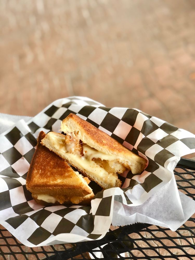 The Grilled Cheese & Crab Cake: 2520 Hwy 17 Business, Murrells Inlet, SC