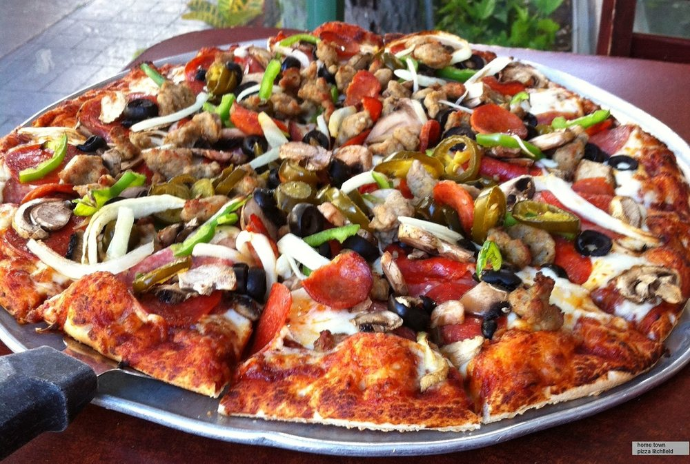 Lovelock Pizza: 55 Cornell Ave, Lovelock, NV