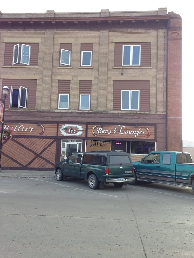 Nellie's Bar & Lounge: 301 4th Ave, Devils Lake, ND