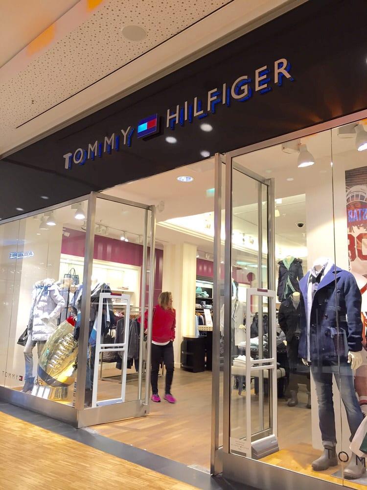 Tommy Hilfiger 14 foto Abbigliamento Grunerstr. 20
