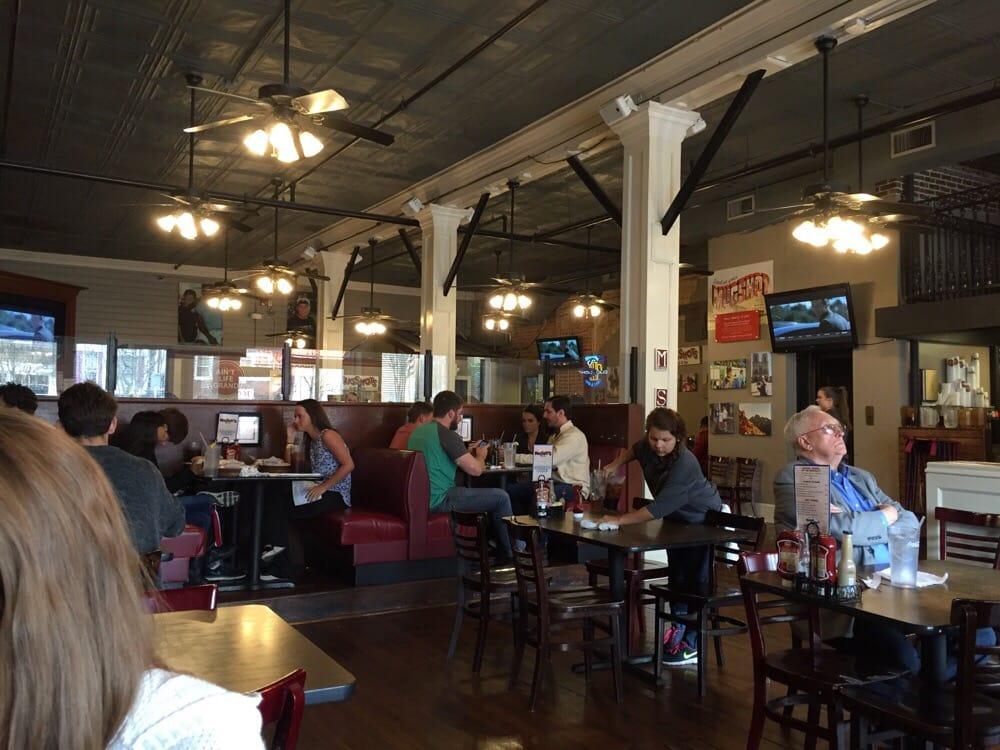 Mugshots grill bar 39 photos 87 reviews burgers for Food bar tuscaloosa