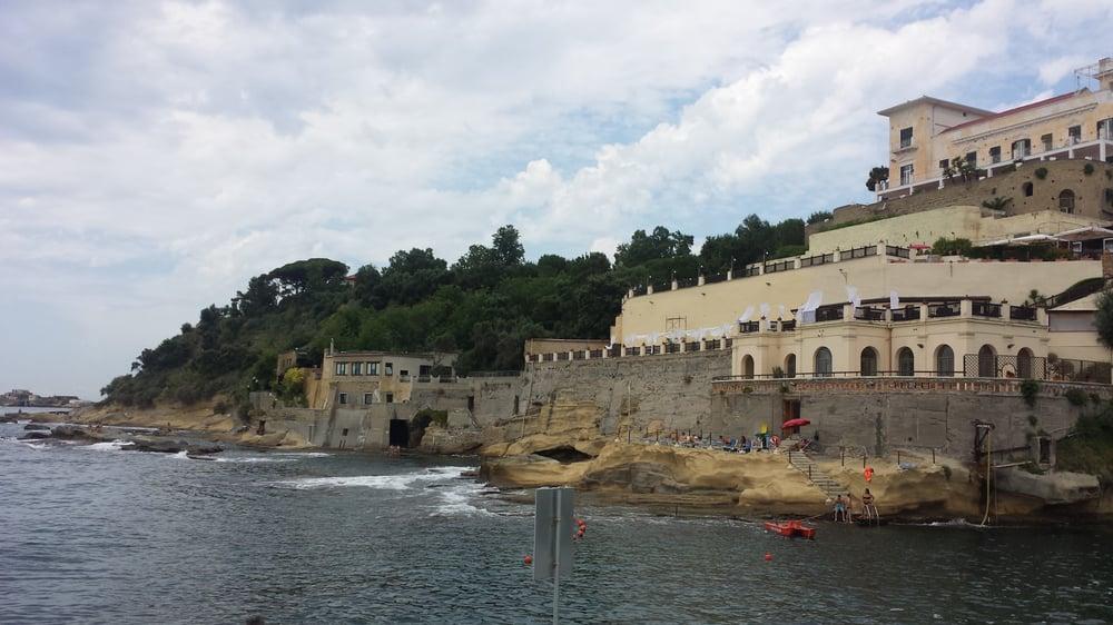 Bagni Rocce Verdi Napoli : Kayak napoli