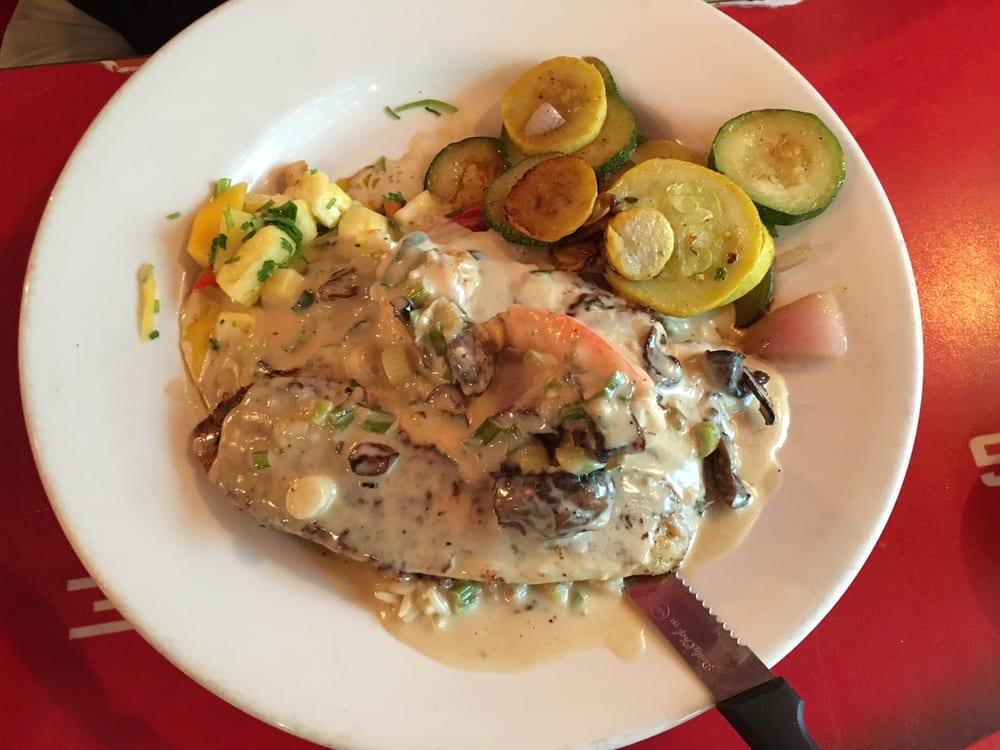 Tia Juanita's Fish Camp: 5555 Calder Ave, Beaumont, TX