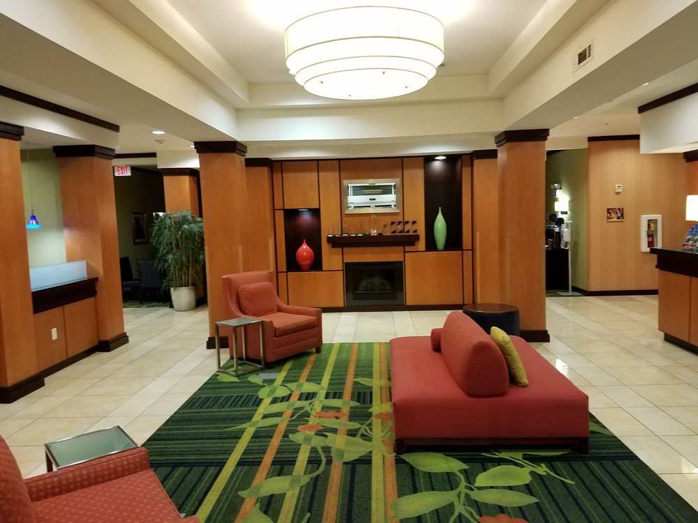 Fairfield Inn & Suites Chattanooga I-24 Lookout Mountain: 40 Starview Ln, Chattanooga, TN