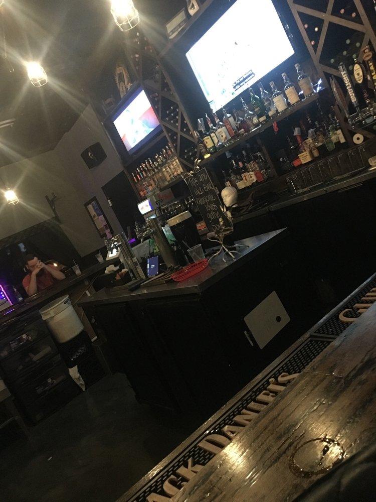 926 Bar & Grill - 13 Photos - Bars - 926 W Tharpe St, Tallahassee, FL -  Restaurant Reviews - Phone Number - Menu - Yelp