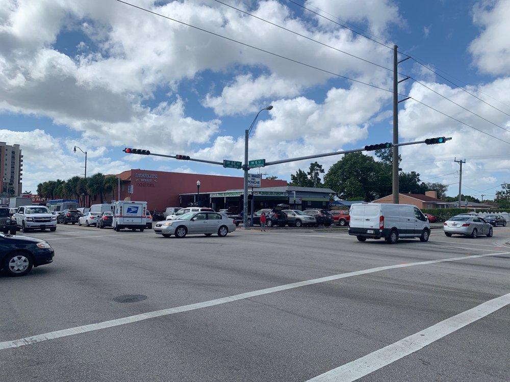 El Mago Del Ponche: 6201 SW 8th St, Miami, FL