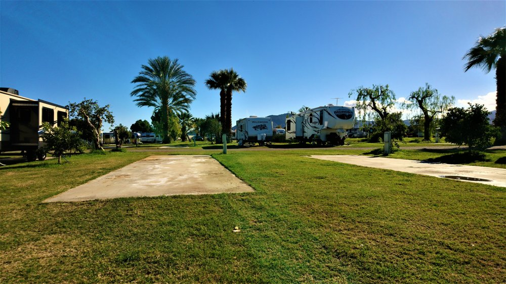 Oasis Palms RV Resort: 90123 81st Ave, Thermal, CA