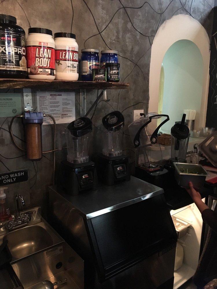 Amped Tanning and Juice Bar: 15A Jericho Tpke, New Hyde Park, NY
