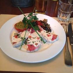 Bistrot de l'Etoile - Toulouse, France. Filet de rouget au beurre d'anchois.
