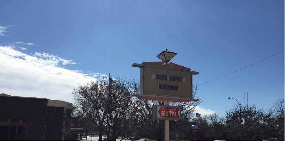 Golden Harvest Restaurant: 240 Main St, Halstead, KS