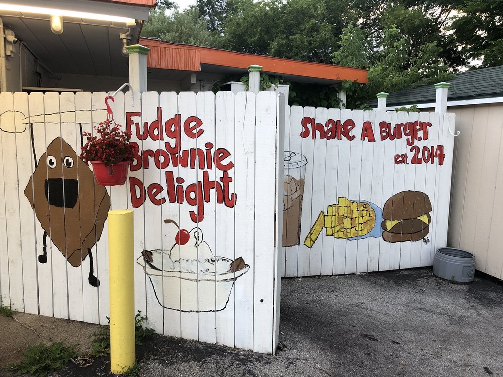 Shake A Burger: 107 Brazeau Ave, Oconto, WI