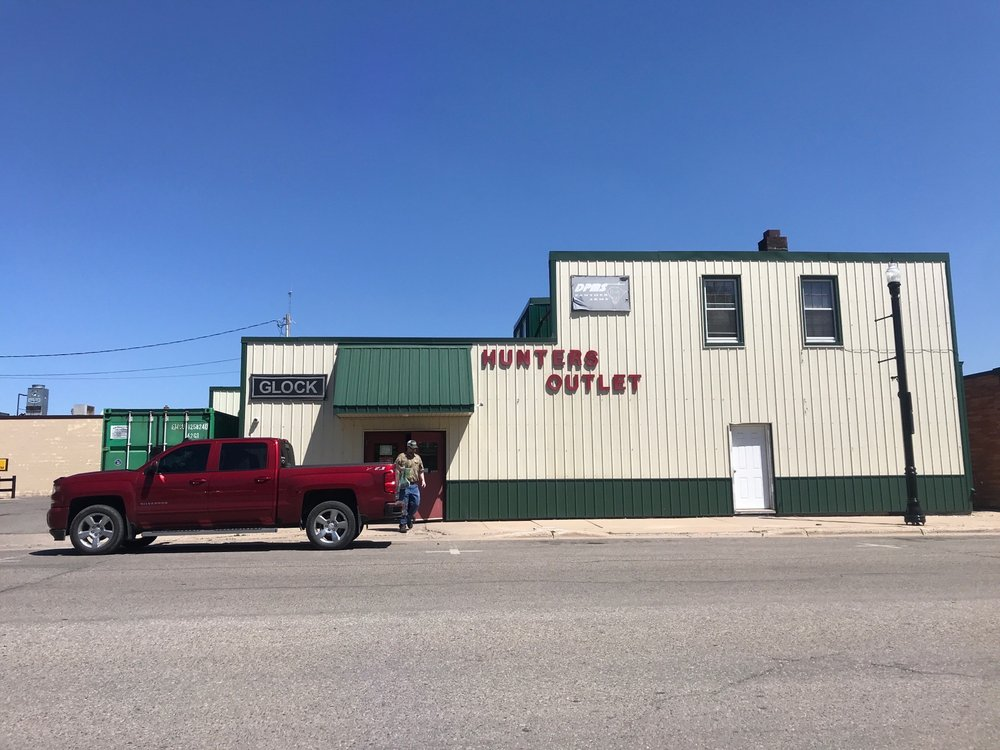 Hunters Outlet: 206 Knight Ave N, Thief River Falls, MN