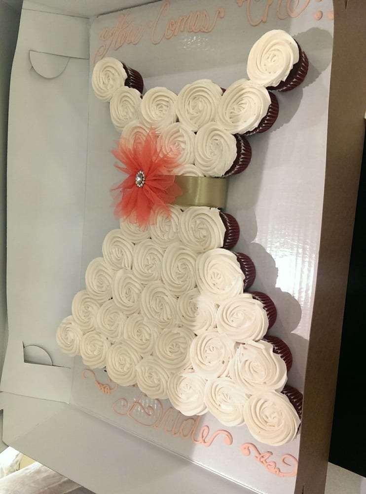 Gloria the cake decorator is amazing! Here is the wedding dress ...