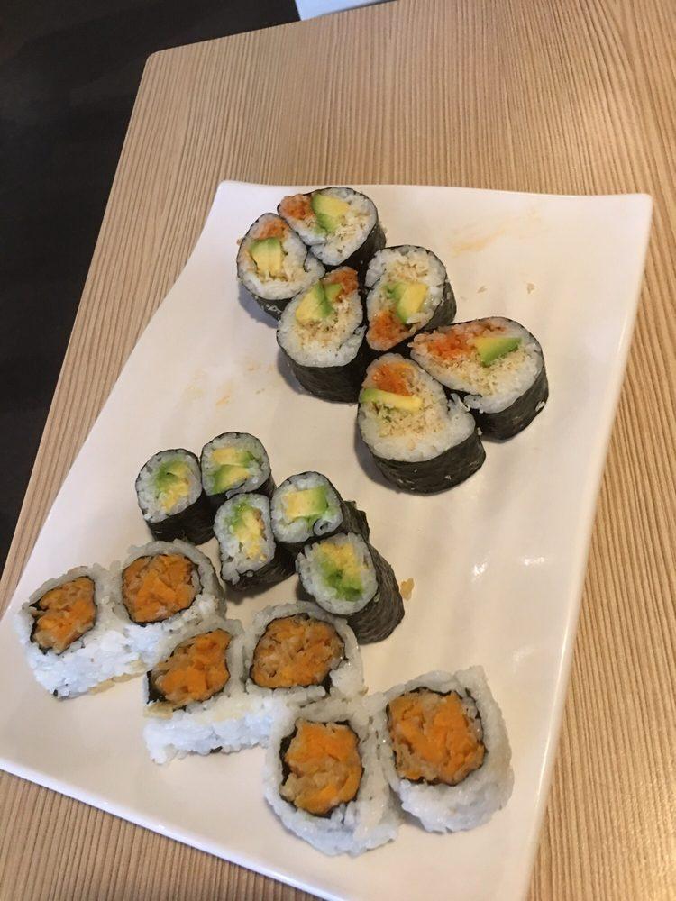 Tenko Sushi: 4450 Walker, Windsor, ON