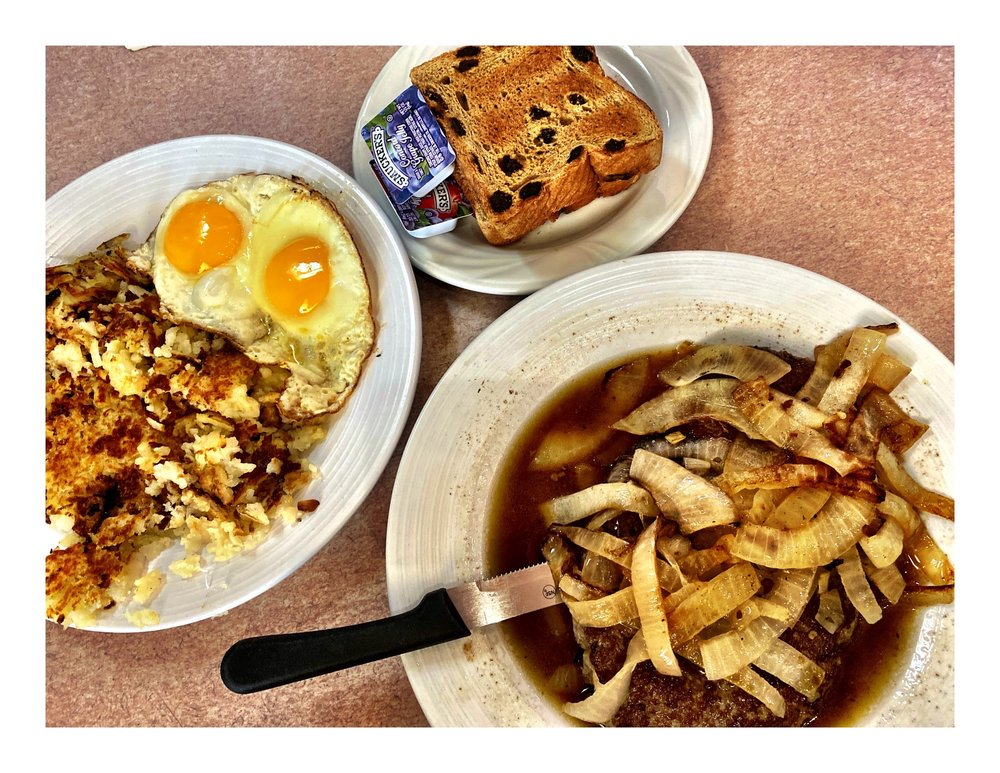 Blueberry Field Pancake House & Restaurant: 558 E 162nd St, South Holland, IL