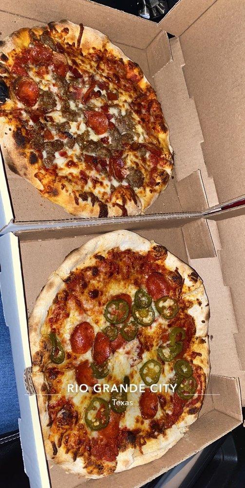 Pino's Pizza: 401-02 East Main St, Rio Grande City, TX