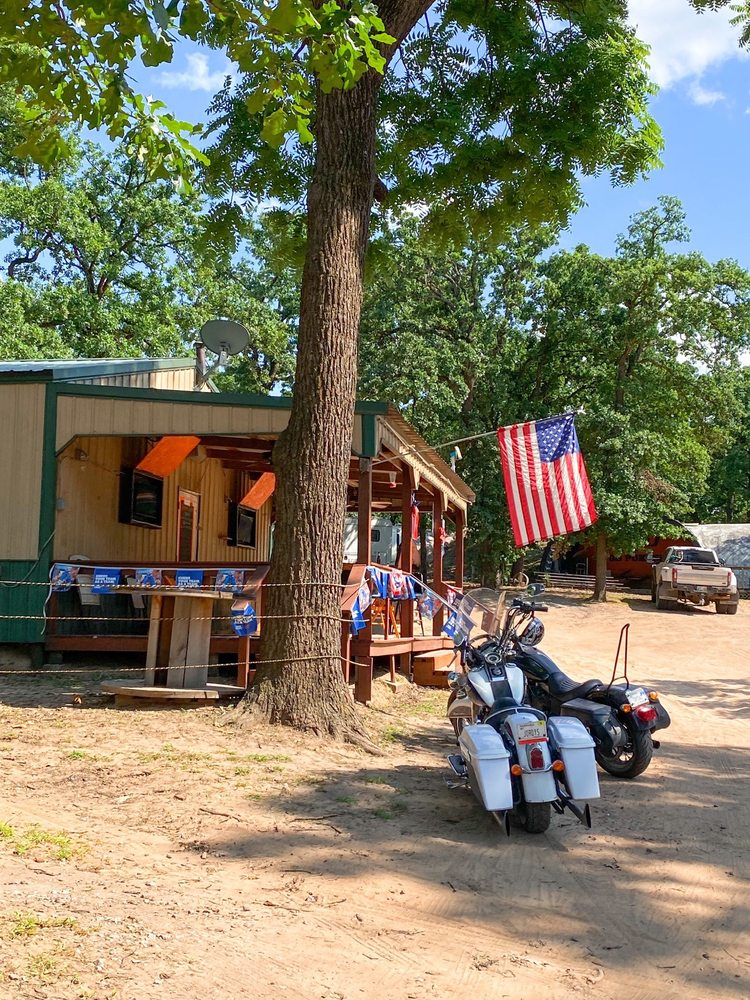 Tree House Tavern: 3219 E 92nd St, Perkins, OK