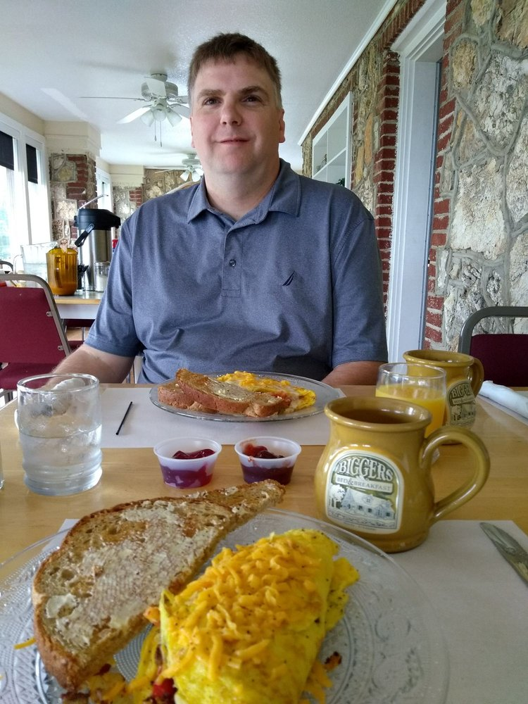 Biggers Bed & Breakfast And Bluff Steakhouse: 20 Bluff Rd, Hardy, AR